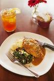 Crispy free-range chicken with iced tea Royalty Free Stock Photos
