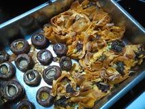 Crispy gotujący papryki natchnący tartlets z pieczarkami Zdjęcie Stock