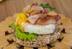 Crispy sandwich with egg and bacon Royalty Free Stock Photos