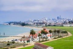 Crissy领域和海湾海岸线鸟瞰图  免版税库存图片