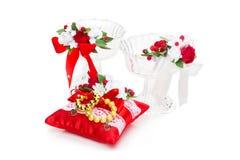 Cristais com a decoração vermelha da flor Foto de Stock Royalty Free