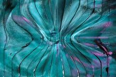 Cristais verdes da esmeralda, da safira ou da turmalina gems Cristais minerais no ambiente natural Pedra de cristais preciosos so foto de stock