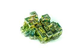 Cristal βισμουθίου που απομονώνεται Στοκ φωτογραφίες με δικαίωμα ελεύθερης χρήσης