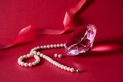 Cristal, brincos da pérola, colar Fotografia de Stock Royalty Free