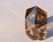 Cristal de cuarzo ahumado en Sun Imágenes de archivo libres de regalías
