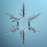 Cristal del copo de nieve natural Foto de archivo libre de regalías