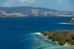 Cristal despeja lagoone del agua 17 islas Riung Flores Indonesia fotos de archivo