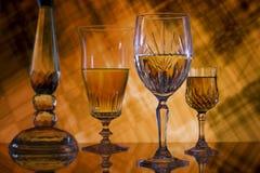 Cristal en fondo anaranjado Foto de archivo libre de regalías