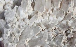 cristal rå rockwhite Royaltyfri Foto