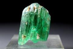 Cristal verde enorme del Kunzite del Var Spodumene del hiddenite Imagen de archivo