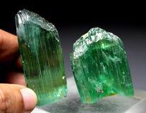 Cristal verde enorme del Kunzite del Var Spodumene del hiddenite Imagen de archivo libre de regalías
