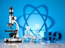 Cristalería de laboratorio Imagenes de archivo