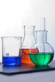 Cristalería de laboratorio Foto de archivo