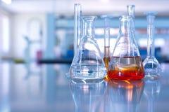 Cristalería de laboratorio de ciencia Imagen de archivo