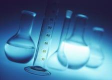 Cristalería de laboratorio química Imágenes de archivo libres de regalías