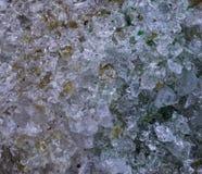 Cristales de cristal machacados en el primer macro, fondo hermoso del modelo de la textura fotografía de archivo
