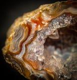 Cristales dentro de la geoda de la ágata fotos de archivo