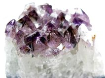 Cristales geológicos del geode Amethyst del cuarzo Foto de archivo libre de regalías