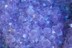 Cristales púrpuras de Geode Fotografía de archivo