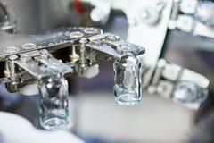 Cristalleria della medicina della farmacia al lavaggio fotografia stock libera da diritti