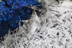 Cristalli insoliti di ghiaccio. Fotografie Stock