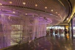 Cristalli interni a Las Vegas, NV il 6 agosto 2013 Fotografie Stock Libere da Diritti