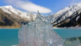 Cristallo di ghiaccio al grande mare di Almaty Fotografia Stock