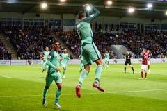 Cristiano Ronaldo salta, após ter marcado o objetivo foto de stock