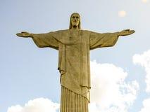 Cristo la estatua del redentor en la montaña de Cordova en Rio de Janerio, el Brasil Foto de archivo