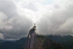 Cristo o redentor nas nuvens, Rio de janeiro, Brasil fotografia de stock royalty free
