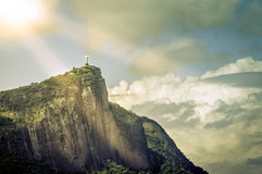 Cristo o redentor no sol, Rio de janeiro Fotografia de Stock Royalty Free