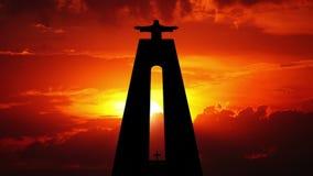 Cristo Rei und Sonnenaufgang Timelapse stock video