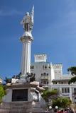 Cristobal Colon monument i gamla San Juan royaltyfria bilder
