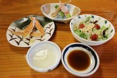 critique despiadadamente la comida del palillo, adorne la comida del japonés del palillo del cangrejo Fotografía de archivo