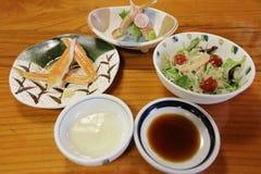 critique despiadadamente la comida del palillo, adorne la comida del japonés del palillo del cangrejo Fotos de archivo