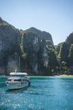 Criuse-Schiffe in Koh Phi Phi 2 Stockbilder