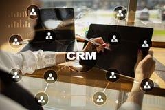 CRM Διοικητική έννοια σχέσης πελατών Εξυπηρέτηση πελατών και σχέση Στοκ Φωτογραφία