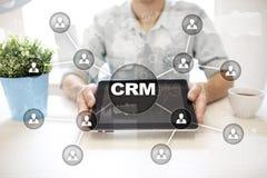 CRM Concetto del customer relationship management Servizio di assistenza al cliente e relazione fotografia stock