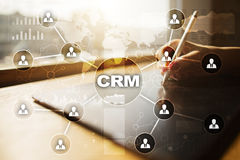 CRM Het concept van het klantrelatiebeheer De klantendienst en verhouding stock foto