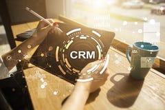 CRM Het concept van het klantrelatiebeheer De klantendienst en verhouding royalty-vrije stock afbeelding