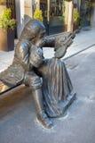 CRÉMONA, ITALIA, 2016: La estatua de bronce de Antonio Stradivari delante de su casa del nacimiento del artista desconocido de 21 Fotografía de archivo libre de regalías