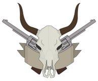 Cráneo del oeste salvaje de la vaca, pistolas, logotipo de la cinta color Fotografía de archivo libre de regalías
