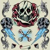 Crânio, Rosa, trovão, pirâmide, fita, cruz do osso e ornamento floral Foto de Stock Royalty Free