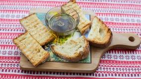 Croûtons avec l'huile d'olive Images stock