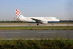 Croatia Airlines surfacent dans l'aéroport de Francfort, FRA image stock