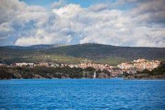 Croatian coastline view, Sibenik area, from the sea Royalty Free Stock Photos