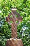Croce celtica di pietra stagionata, Irlanda Immagini Stock Libere da Diritti