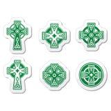 Croce celtica irlandese e scozzese sul segno bianco Immagine Stock
