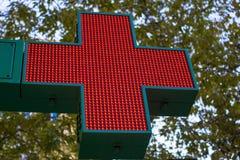 Croce rossa al neon Fotografie Stock Libere da Diritti