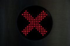 Croce rossa che non mostra entrata Fotografie Stock Libere da Diritti